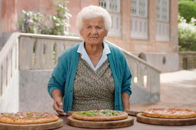 Spot-Pizza-Hut-a-Sorrento-640x426